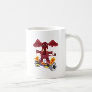 Elefante divertido en el dibujo animado de taza