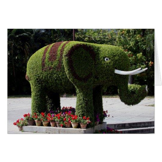 Elefante en jardín chino tarjeta de felicitación
