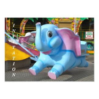 Elefante en una invitación del Funfair