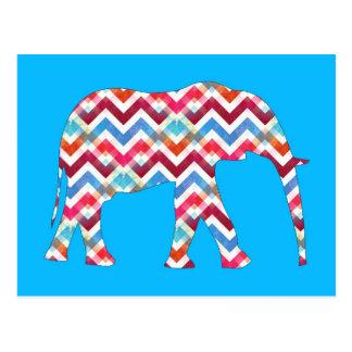 Elefante enrrollado de Chevron del zigzag en azul Postal