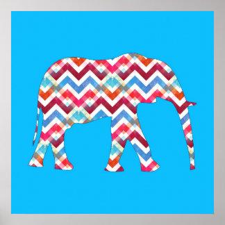 Elefante enrrollado de Chevron del zigzag en azul Póster