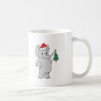 Elefante (gorra de Santa) Taza Básica Blanca