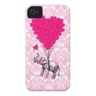 Elefante lindo divertido y damasco rosado carcasa para iPhone 4 de Case-Mate