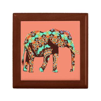 Elefante tribal e ilustraciones de la acuarela de caja de regalo