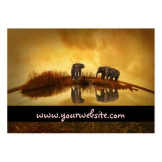 Elefantes asiáticos en Tailandia bajo puesta del Plantilla De Tarjeta De Negocio