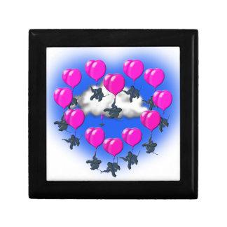 elefantes del vuelo en una forma del corazón joyero