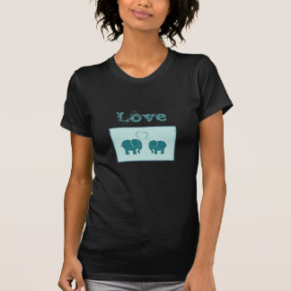 Elefantes románticos lindos de moda en remiendo camiseta