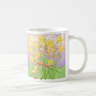 Elfleda y kiwi en los narcisos taza de café
