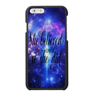 Ella creyó en cielos iridiscentes funda cartera para iPhone 6 watson