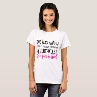 Ella persistió camiseta