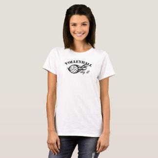 Empuje del voleibol que junta con te camiseta