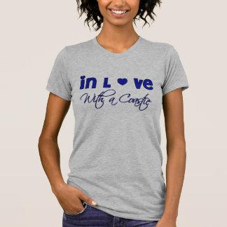 en amor con una camiseta del coastie