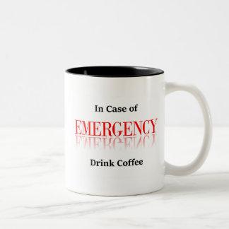 En caso de urgencia taza de café de la bebida