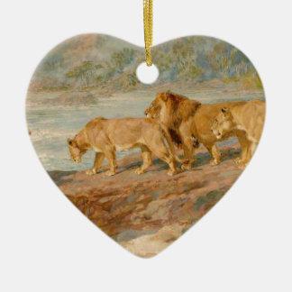 En el banco de un río africano de británico adorno de cerámica en forma de corazón