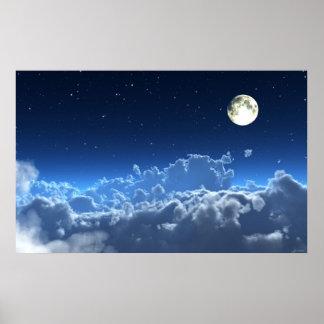 En el poster pálido del claro de luna