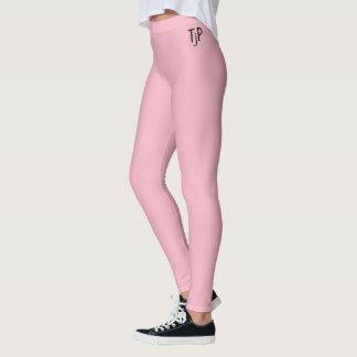 En el rosa con sus iniciales leggings