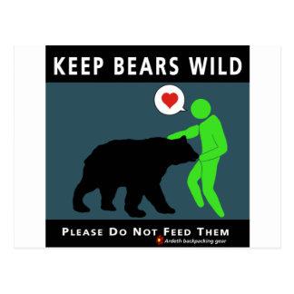 (en frente) mantenga los osos salvajes postal