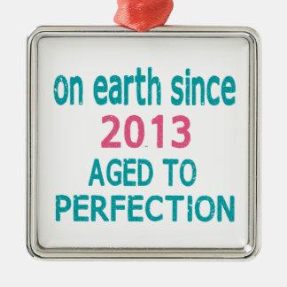 En la tierra envejecida desde 2013 a la perfección adorno cuadrado plateado