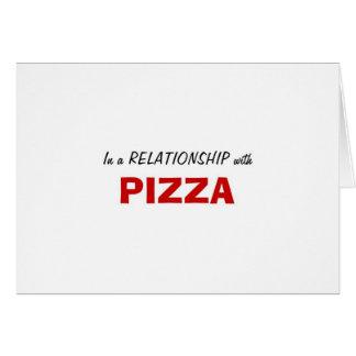 En una relación con la pizza tarjetón