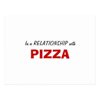 En una relación con la pizza postales