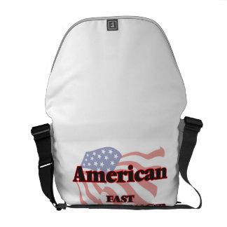 Encargado americano de los alimentos de bolsa de mensajeria