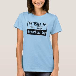 Encargado de base de datos perdido del perro camiseta