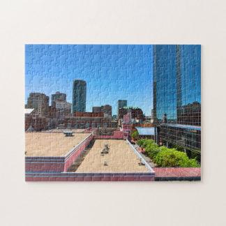 Encima encendido de un tejado puzzle
