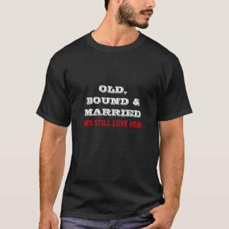 Encuadernado viejo y casado camiseta