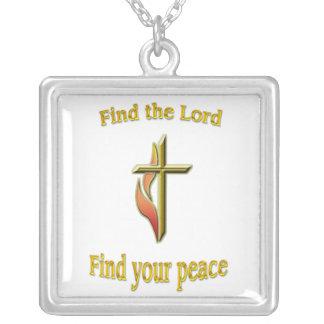Encuentre al señor para encontrar su paz collar plateado