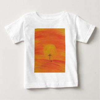 Encuéntreme en la cruz camiseta de bebé
