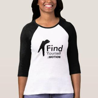 Encuéntrese en camisa del movimiento