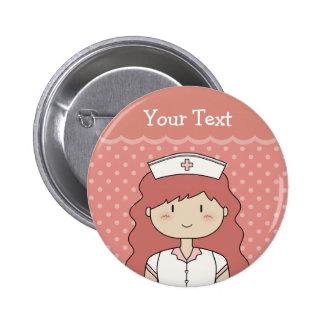 Enfermera con el pelo rojo chapa redonda de 5 cm