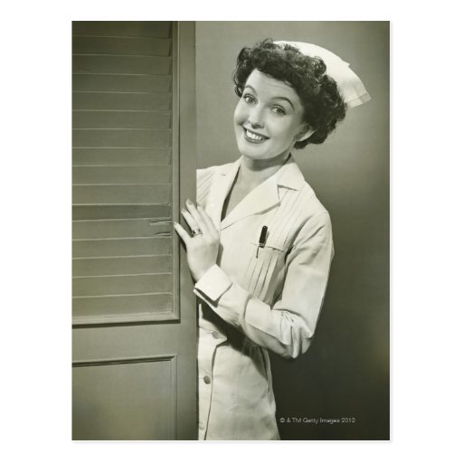 Enfermera de mirada furtiva tarjetas postales