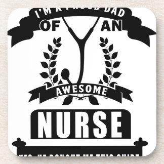 enfermera y papá posavasos