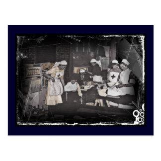 Enfermeras del niño del soldado en la estación de tarjeta postal