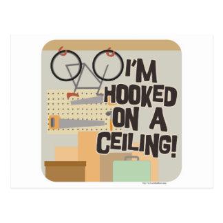 ¡Enganchado en un techo! Postal