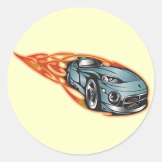 Engranaje el competir con auto etiquetas redondas