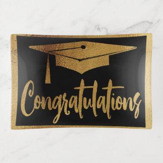 Enhorabuena del oro del graduado de la graduación