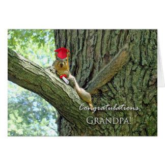 Enhorabuena en la graduación para el abuelo tarjeta de felicitación