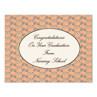 Enhorabuena en su graduación de cuidar el Sc Invitación 10,8 X 13,9 Cm
