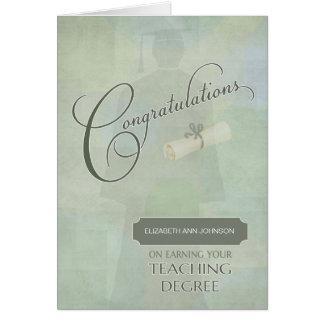 Enhorabuena que enseña escuela a w-nombre graduado tarjeta de felicitación