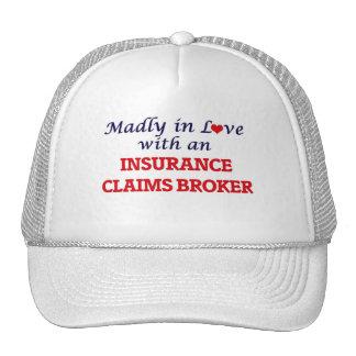Enojado en amor con un agente del crédito de gorro de camionero