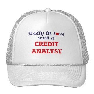 Enojado en amor con un analista de crédito gorras de camionero