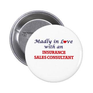 Enojado en amor con un consultor de las ventas del chapa redonda de 5 cm
