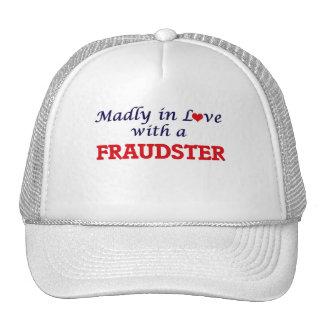 Enojado en amor con un impostor gorras