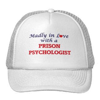 Enojado en amor con un psicólogo de la prisión gorros bordados
