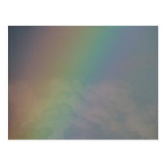Entre los colores del arco iris postal