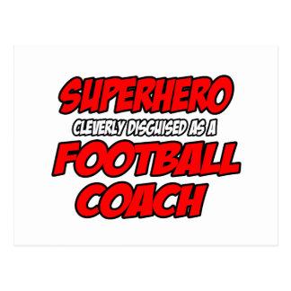 Entrenador de fútbol del super héroe… tarjeta postal