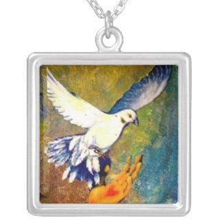 Envío de amor en el collar de las alas