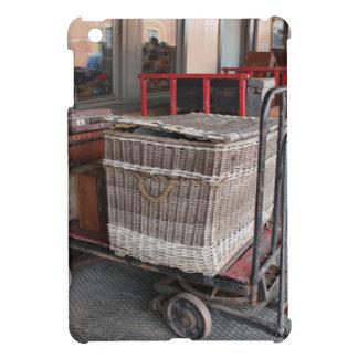 Equipaje y cesta de mimbre - gama del vintage